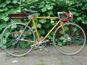Ressortez votre vieux vélo, chaussez vos baskets ou enfilez votre maillot de bain!